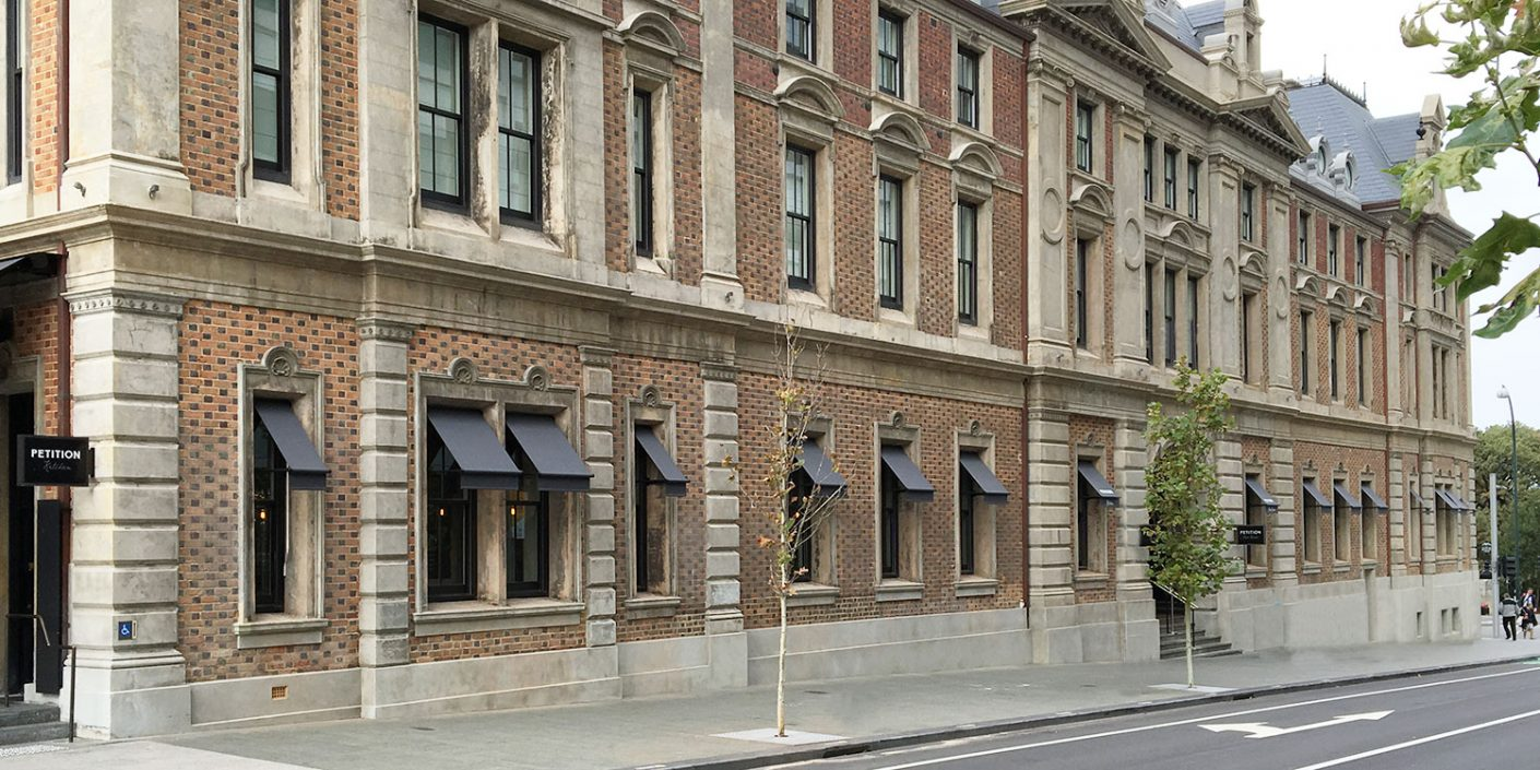 Commercial-Retractable-Awnings-WA